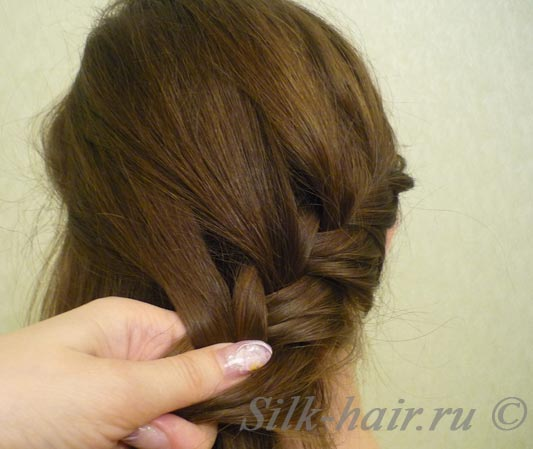 косичка-ободок вокруг  головы, прически с косами