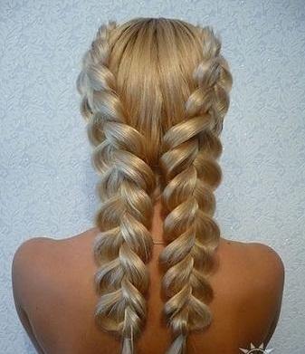 плетение косы «наоборот»,