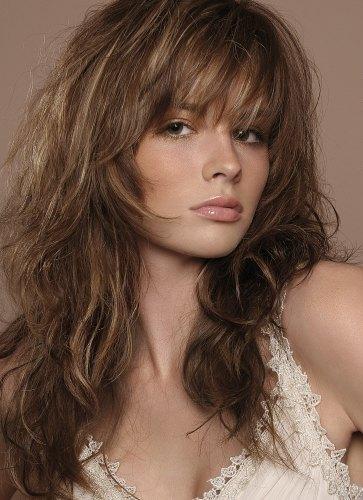 густые волнистые волосы с челкой