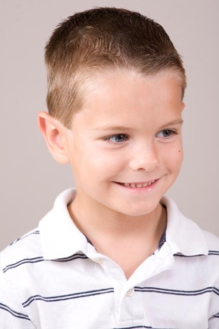 Схема модельной стрижки для мальчика.