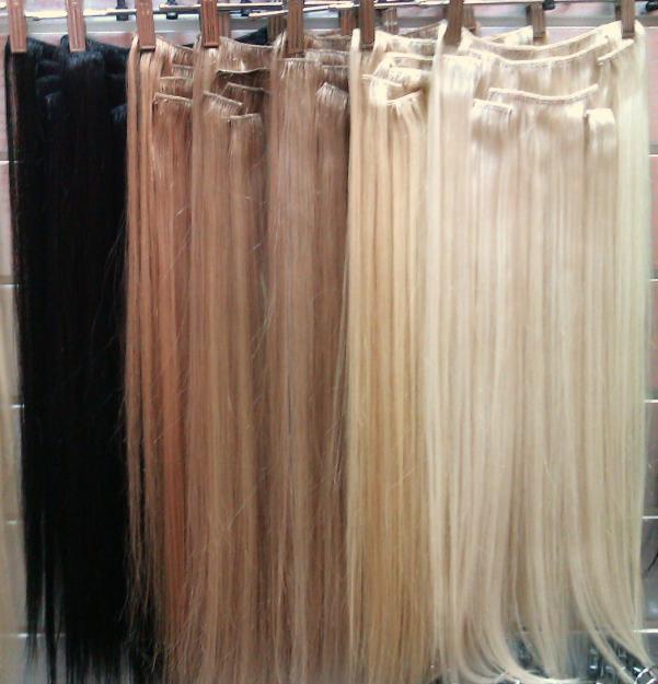 волосы на заколках, широких ассортимент цветов и текстуры